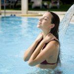 Ragazza in piscina Hotel Terme Orvieto